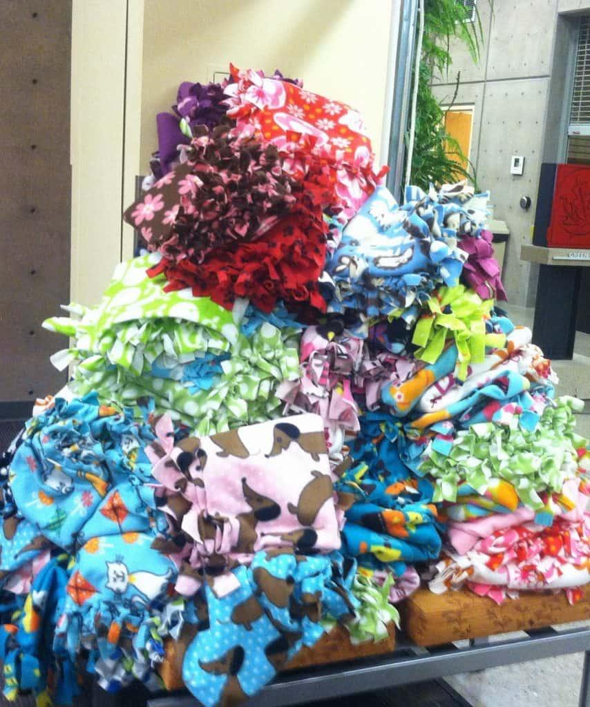 Fleece Blanket Edging Ideas -